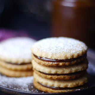 Alfajores {Caramel Sandwich Cookies}
