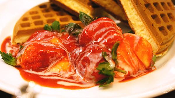 說到草莓鬆餅一定會想到的超人氣鬆餅店-Melange Cafe 米朗琪咖啡館(中山一店)@捷運中山站@新光南西