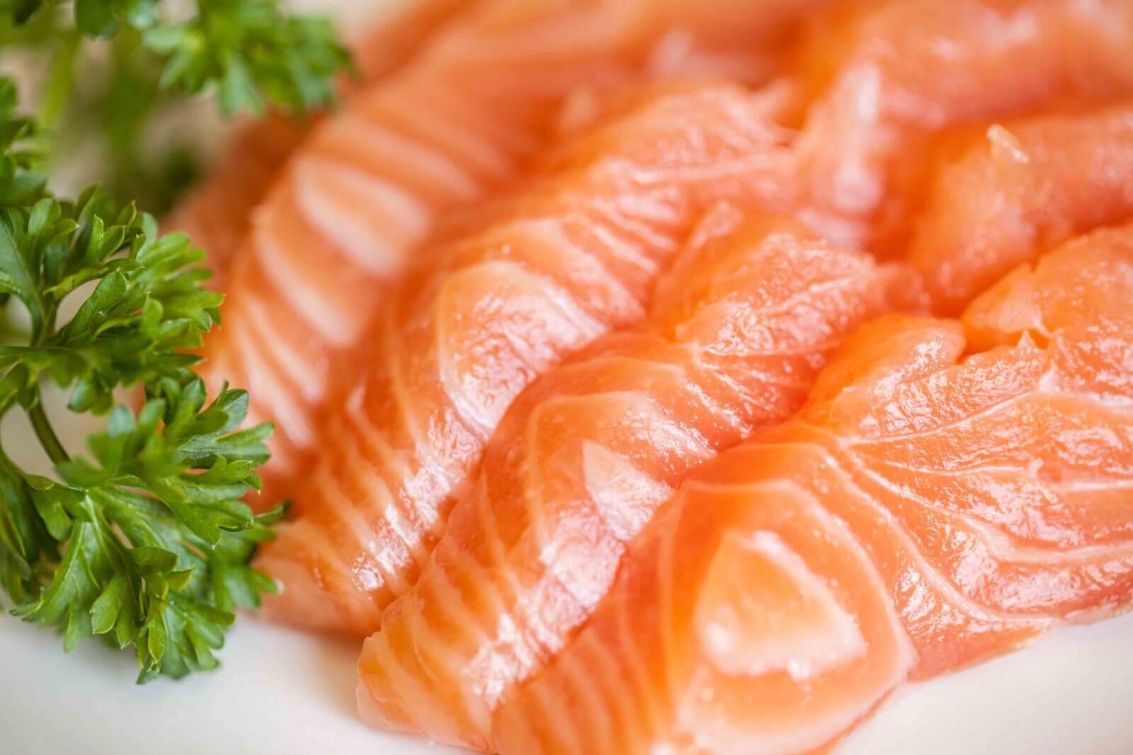 Cá tươi khi ăn có độ sần sật, không bị nhão, đậm đà tự nhiên