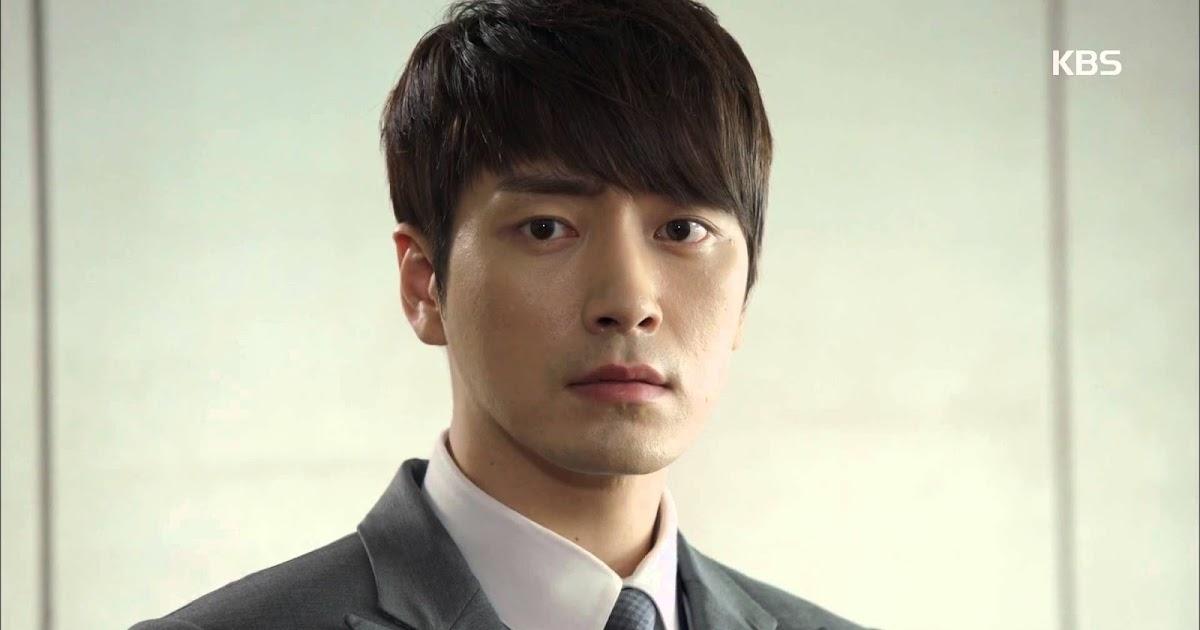 Lee Joon Hyuk Donates 100 Percent Of Earnings From Naked
