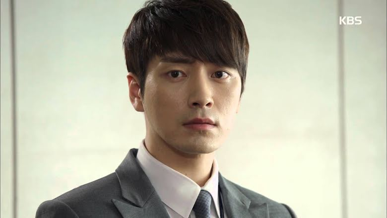 Popular Actor Donates His Entire Profit From Drama Series