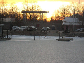 Photo: Sonnenuntergang über der Werft