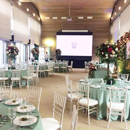 Площадка для свадьбы у воды «Основной зал »