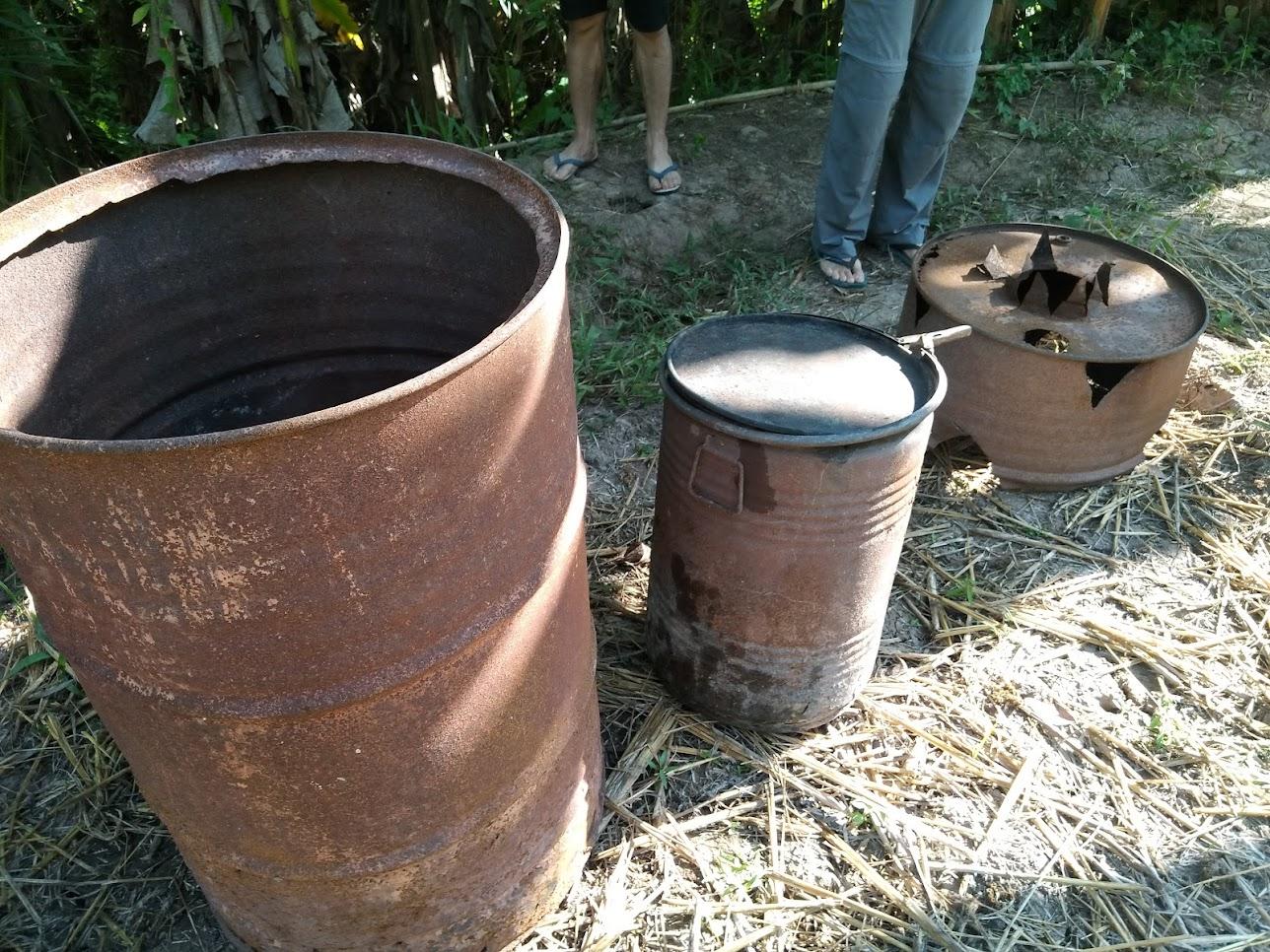 三つのサイズが違うドラム缶