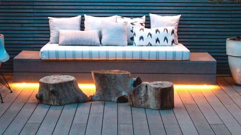 La tarima de Peygran tiene el aspecto de la madera.