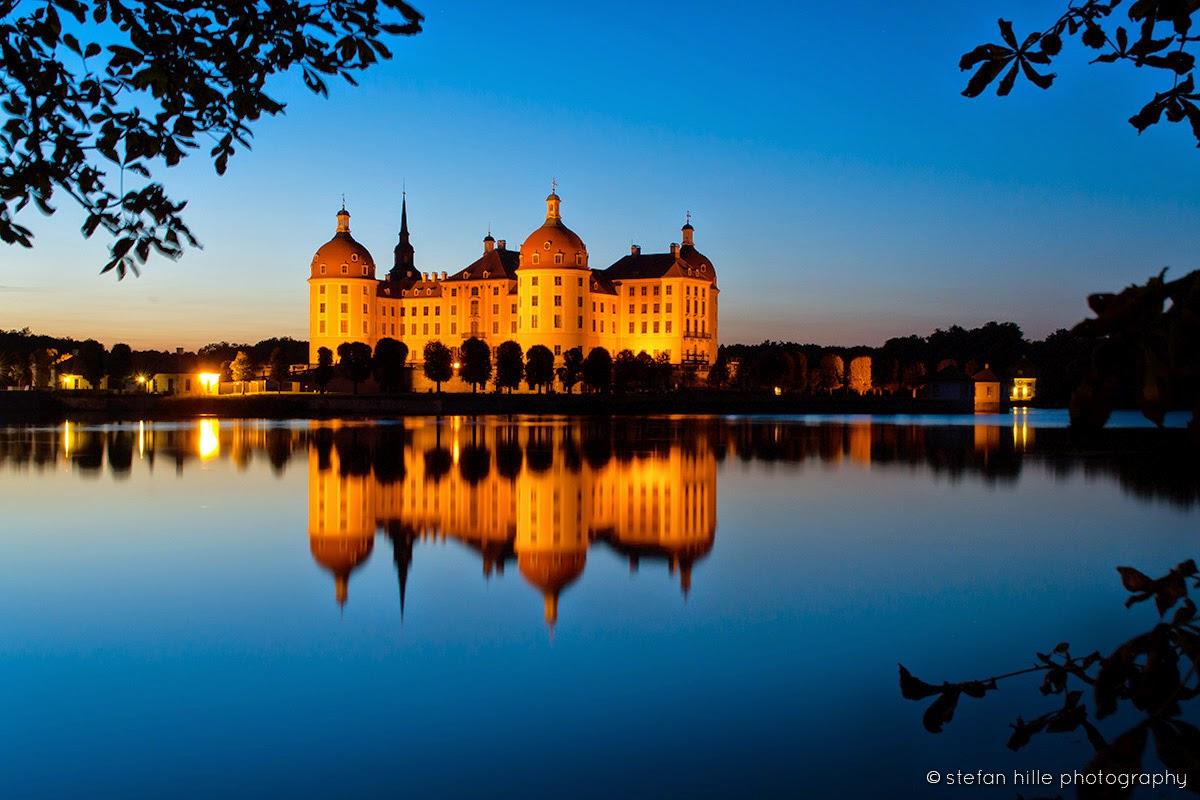 Photo: Moritzburg Schloss mit See im Abend 2 - Foto von Stefan Hille