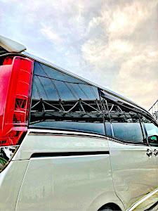 ヴォクシー ZWR80W ZSハイブリッドのカスタム事例画像 kazuya8-TEAM絵心style-さんの2018年11月21日12:02の投稿