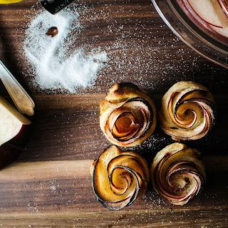 Mini Puff Pastry Apple Rose.