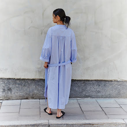 The Holy Dress av Ann Ringstrand