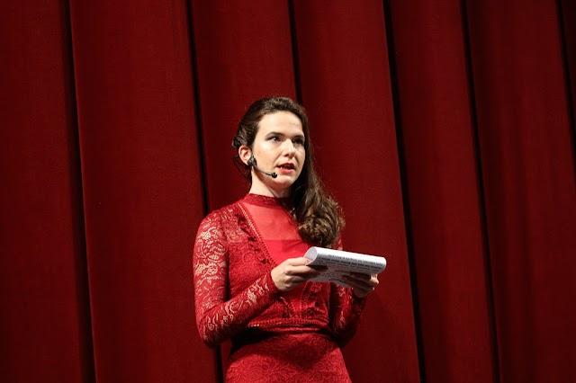 La integrante de COTECA, María del Mar García, ejerció como perfecta presentadora de la gala.