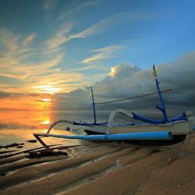Right here waiting by I Wayan Gunayasa - Transportation Boats