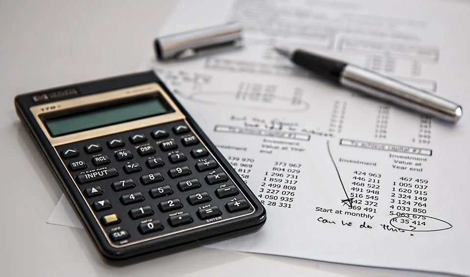 What Can You Do With an Associate Degree in Accounting?