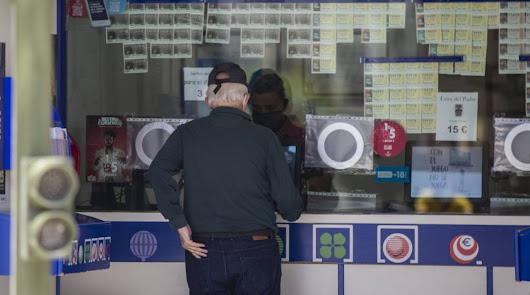 Lluvia de euros en Roquetas y Adra con la Lotería Nacional