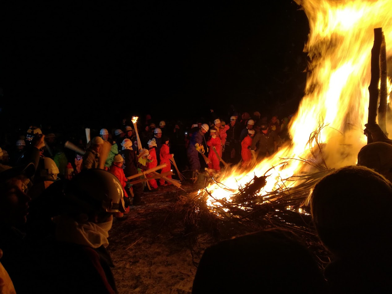 Nozawa Onsen kids getting involved at the bonfire.