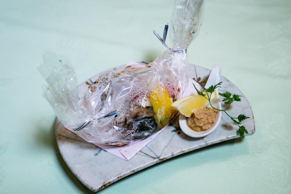 2.焼き物:牛ロース味噌漬けの包み焼き