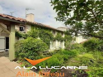 maison à Neuvy-Bouin (79)