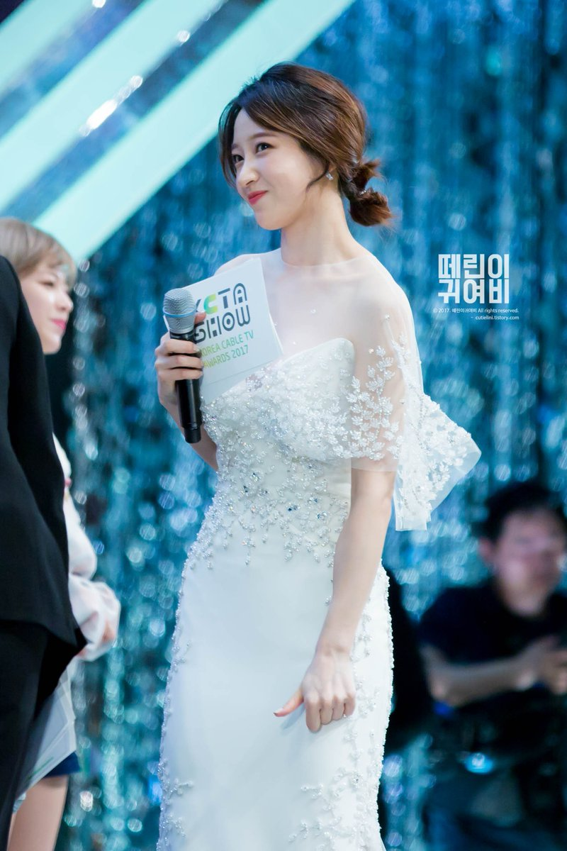 hani gown 25