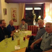 Photo: Abends gibt´s ein gemeinsames Dinner aus der Mannschaftskasse.