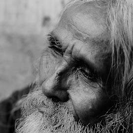 by Omiq Qsm - People Portraits of Men