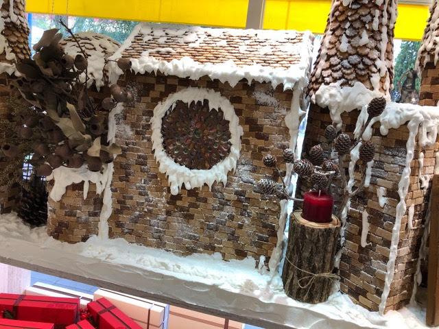 内装のお菓子の家