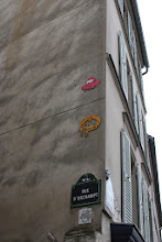 Photo: Street art - Gz'Up (en haut) - Oré -Paris XVIIIe