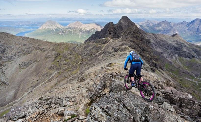 Hành trình leo núi thành công của vận động viên Danny Macaskill