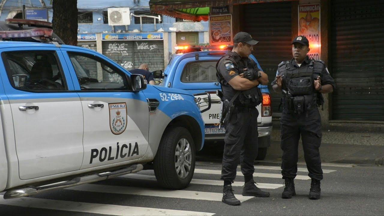 Un policía intentó detener un vehículo, terminó disparándole a los pasajeros