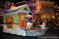 Scrooge McDuck in Mickey's Once Upon a Christmastime Parade
