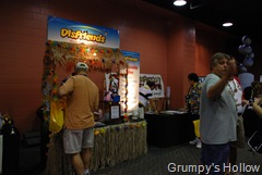 DisFriends Booth at MegaMouseMeet MouseFest 2007