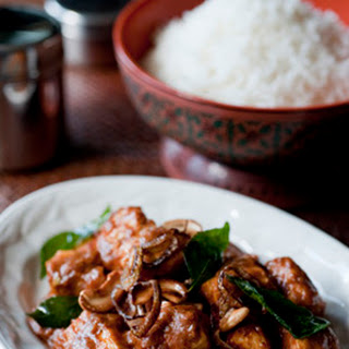 Chettinad Chicken (Madras Chicken Curry with Shallots and Cashews).