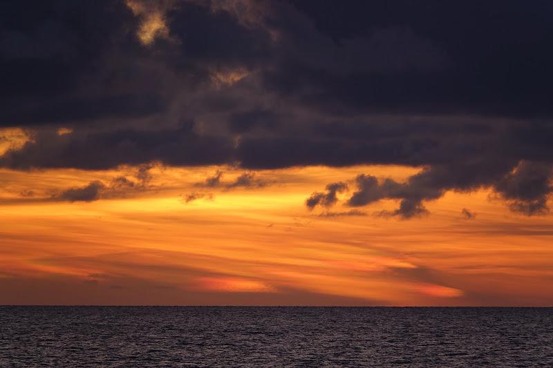 Tramonto sul mare prima della tempesta di luciano_tronati