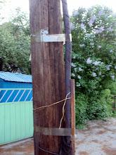 Photo: Суровые лубенские электрики бронекабель приматывают скотчем...