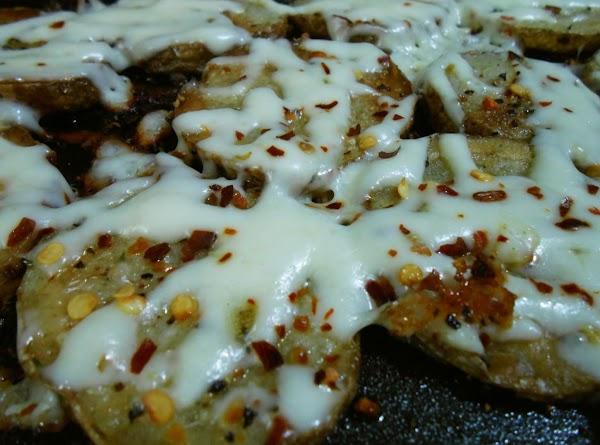 Cheesy Griddle Potato Rounds Recipe