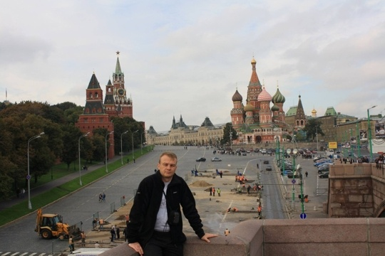 Мірослав Майковський пишається у Fqacebook своїми фото з Москви