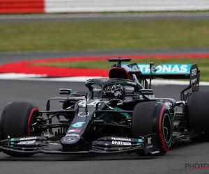 Mercedes domineert vrije trainingen volledig op Silverstone, frustratie bij Verstappen door verkeer