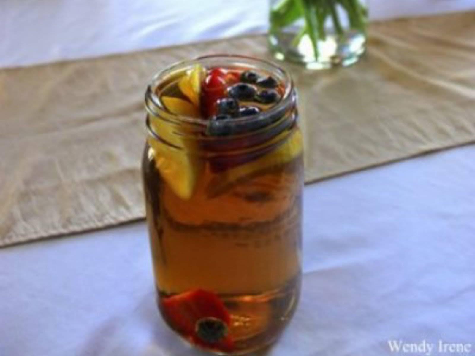 Fruit Infused Sun Tea [Vegan]
