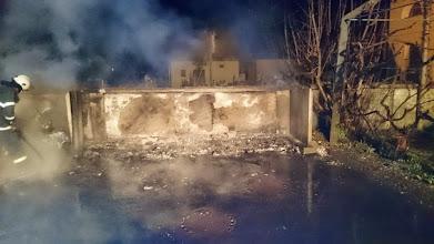 Photo: Požar kontejnerjev pokopališče Dol 21.3.15