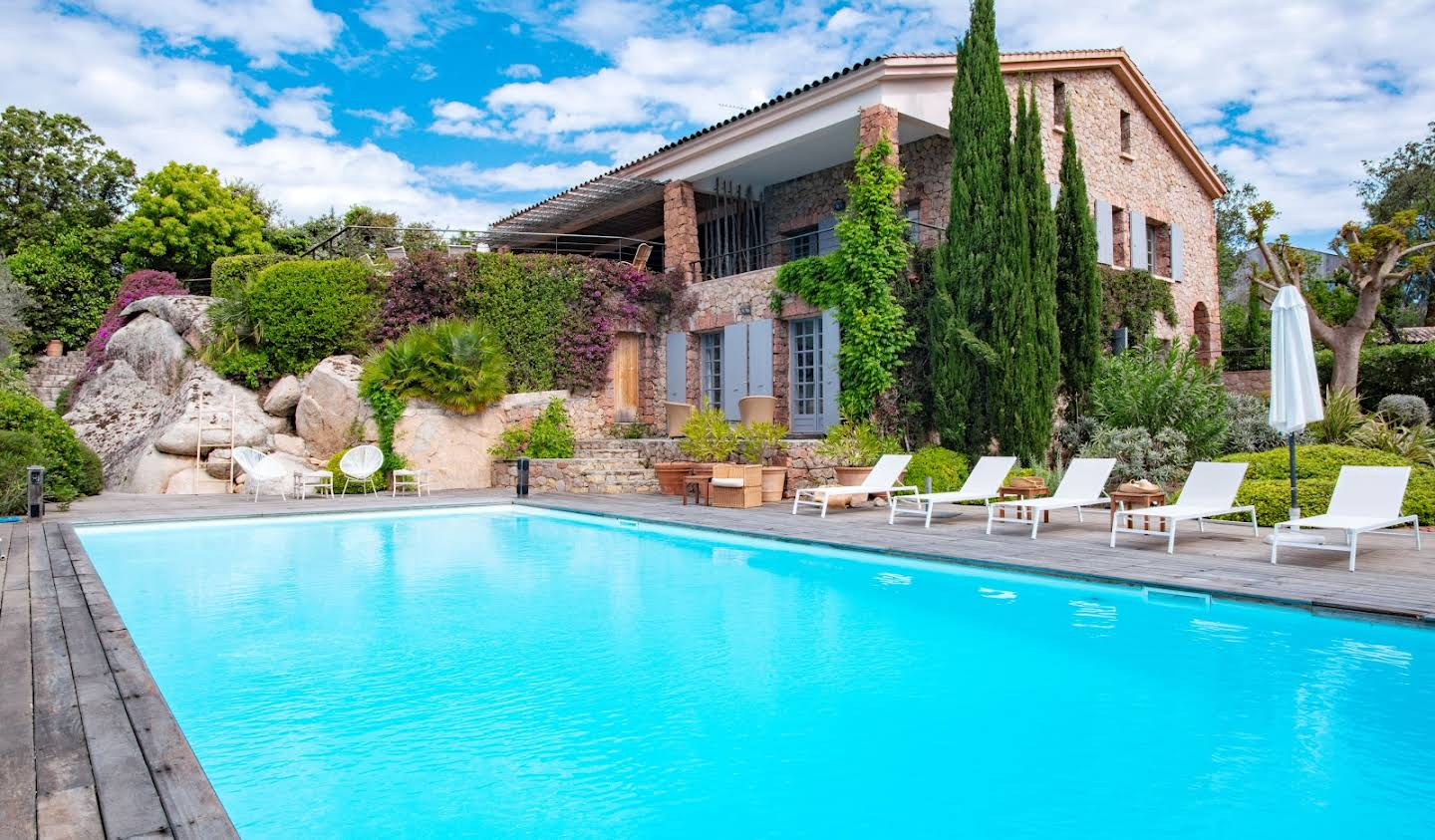Villa with pool and garden Lecci