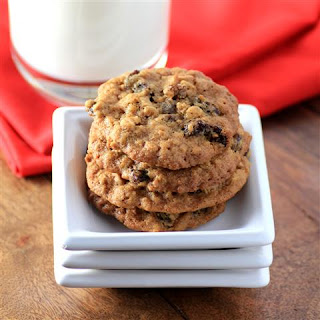 Chewy Oatmeal Raisin Cookies #CreativeCookieExchange.