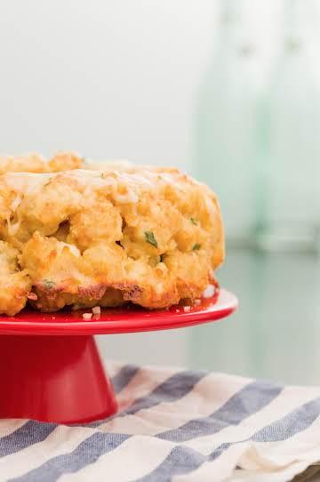 Cheesy Garlic Pull-Apart Tots Recipe