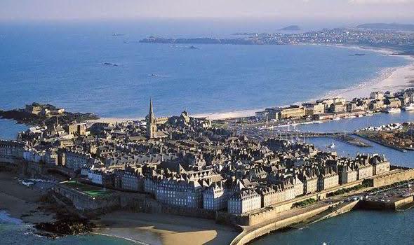 Фотографии Saint-Malo (Сен-Мало), Бретань, Франция - путеводитель по городу, что посмотреть в Сен-Мало, крепость Сен-Мало (Les remparts de Saint-Malo)