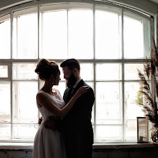 Wedding photographer Olga Li (pholgali). Photo of 15.04.2017