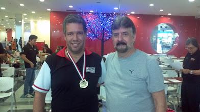 Photo: Antonio Torres (OURO no All Events 2.ª divisão masculina,média 198,35) com Décio Abreu