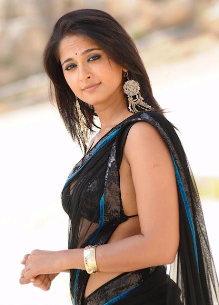 Anushka Shetty sleeveless blouse, Anushka Shetty latest pics
