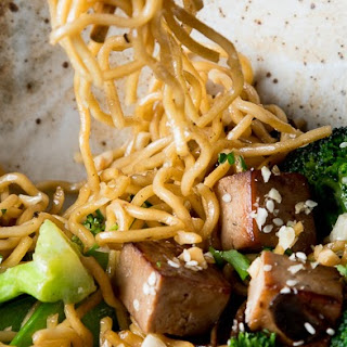 TOFU YAKISOBA WITH BROCCOLI AND SNOW PEAS.
