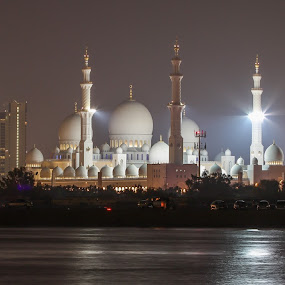 Sheikh Zayed Mosque Abu Dhabi by Yadi Kustiadi - Buildings & Architecture Other Exteriors ( lights, mosque, abu dhabi, night, sheikh zayes mosque abu dhabi )