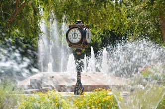 Photo: The Scottsdale Rotary Clock in the iconic style of the Howard Post Clock, manufactured by Electric Time Company at the Scottsdale Civic Center Mall in Arizona