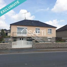 maison à La Selle-Craonnaise (53)