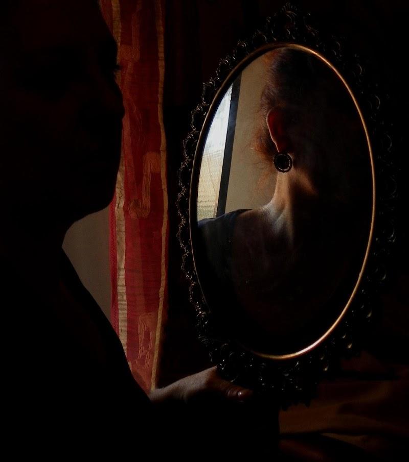 Specchio... specchio delle mie brame.... di mariateresacupani