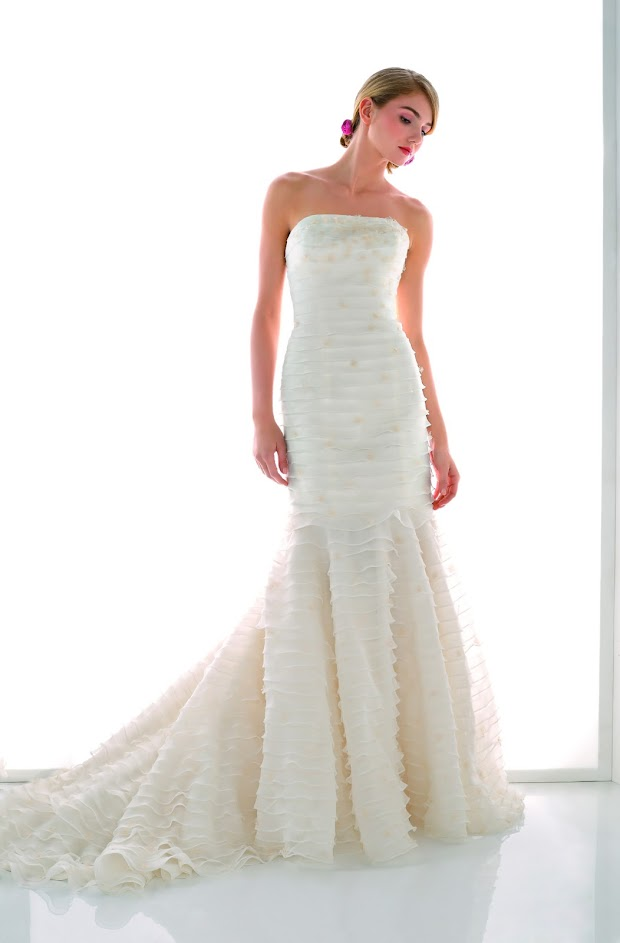 Robe de mariée Tango, robe de mariée sirène, longue traine, robe de mariée dos nu, robe de mariée sirène créateur Paris